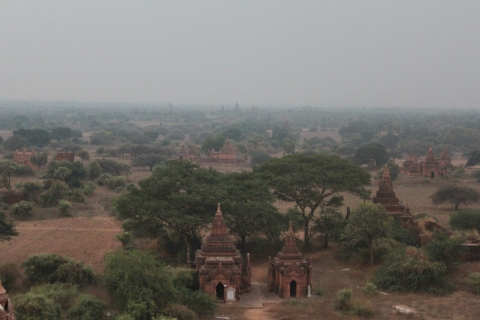 Dawn creeps over Bagan